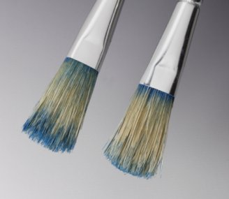 All Down to Neutron Research: Novel Paint Brush Cleaner Works Without Solvents