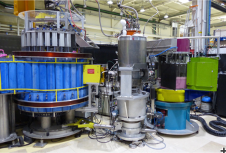 Cold neutron three-axis spectrometer IN12